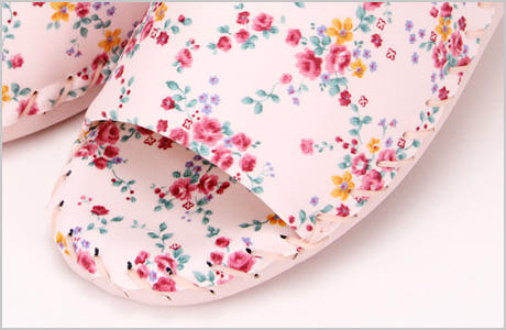 9387婦人用人気の室内履き1.手編み製法ならではのやさしい履き心地